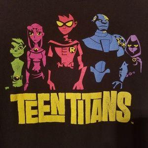 Teen Titans size Medium Tee
